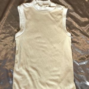 GAP turtle neck sleeveless top
